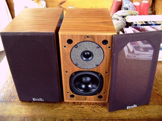 proac super tablettes vintage audio. Black Bedroom Furniture Sets. Home Design Ideas