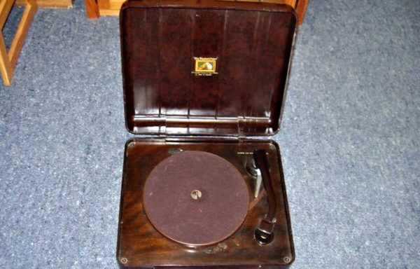 His Masters Voice 78 rpm record player
