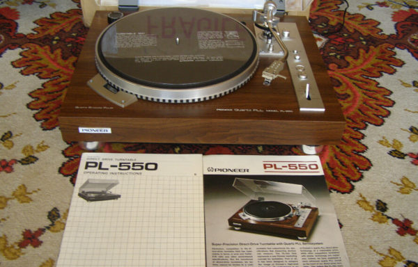 Pioneer PL -550. Brand new in the box !!