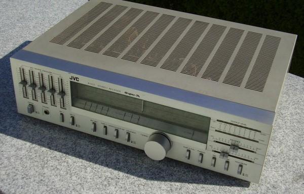 JVC R-S33 AM/FM Receiver
